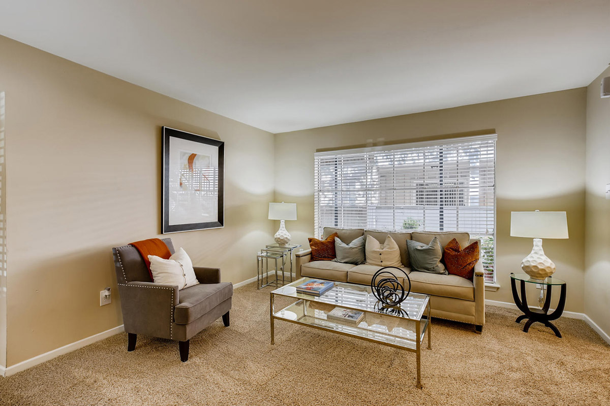 Gallery 1 | The Bordeaux Luxury Apartment living near the Houston Galleria